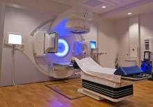 Davis Cancer Center Treatment Room
